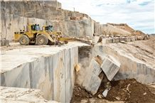 /quarries-6027/calacatta-luis-sanchez-quarry
