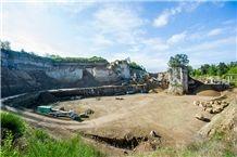 /quarries-5918/weiberner-tuff-quarry