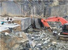 /picture201511/Quarry/20192/117870/india-jet-black-granite-quarry-quarry1-6040B.JPG