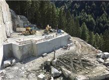 /picture201511/Quarry/20192/156264/cava-garou-serizzo-antigorio-chiaro-serizzo-antigorio-granite-quarry-quarry1-6104B.JPEG