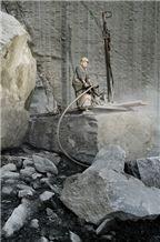 /picture201511/Quarry/20192/37051/serizzo-formazza-quarry-quarry1-6125B.JPG