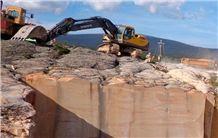 /picture201511/Quarry/20192/55997/cantera-arenisca-dorada-sierra-buff-beige-sandstone-quarry-quarry1-6059B.JPG
