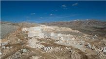 /picture201511/Quarry/20193/156765/antalya-cream-green-light-beige-marble-quarry-quarry1-6179B.JPG