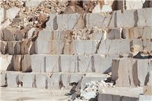 /picture201511/Quarry/20193/156765/antalya-honey-beige-marble-honey-light-beige-marble-quarry-quarry1-6175B.JPG