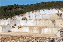 /picture201511/Quarry/20193/156765/bianco-white-classic-marble-quarry-quarry1-6177B.JPG