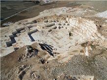 /picture201511/Quarry/20193/156765/rose-onterial-beige-marble-quarry-quarry1-6176B.JPG