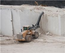 /picture201511/Quarry/20193/156775/vratsa-crema-fiorito-limestone-quarry-quarry1-6168B.JPG