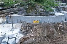 /picture201511/Quarry/20193/157166/serizzo-antigorio-gneiss-quarry-quarry1-6215B.JPG