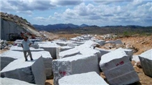 /picture201511/Quarry/20194/92402/vietnam-ak-white-granite-quarry-quarry1-6245B.JPG