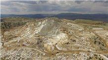 /picture201511/Quarry/20195/3319/crema-sera-marble-erdemli-quarry-quarry1-6388B.JPG