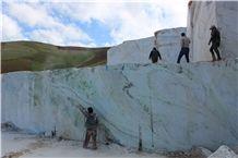 /picture201511/Quarry/20197/157401/jolbar-marble-quarry-quarry1-6433B.JPG