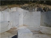 /picture201511/Quarry/20197/160634/moonlight-marble-angola-quarry-quarry1-6467B.JPG