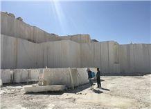 /picture201511/Quarry/20198/144048/lafei-beige-marble-quarry-quarry1-6488B.JPG