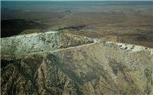 /picture201511/Quarry/20198/33403/crema-persia-imperial-marble-pasargad-quarry-quarry1-6518B.JPG