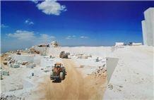 /picture201511/Quarry/20198/33403/crema-persia-royal-marble-pasargad-quarry-quarry1-6519B.JPG