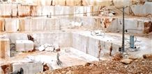 /quarries-6546/pearl-beige-limestone-salgueira-no-12-quarry