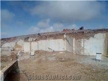 /picture201511/Quarry/202002/167317/pardis-sang-black-gold-marble-quarry-quarry1-6860B.JPG