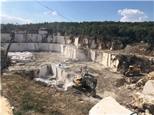 /picture201511/Quarry/202010/174120/cyprus-grey-marble-quarry-quarry1-7121B.JPG