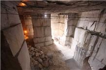 /picture201511/Quarry/202010/174432/calacatta-crestola-marble-quarry-quarry1-7125B.JPG