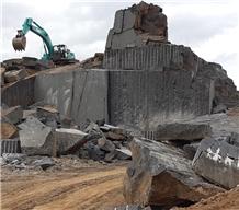/picture201511/Quarry/20203/90788/mng-jet-black-granite-quarry-quarry1-6944B.JPEG