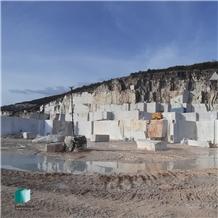 /picture201511/Quarry/20204/108697/kavala-semi-white-marble-quarry-quarry1-6914B.JPG