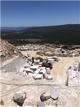 /picture201511/Quarry/20206/168964/didima-grey-marble-quarry-quarry1-7031B.JPG