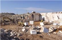 /picture201511/Quarry/20212/176418/ergani-beige-marble-quarry-quarry1-7208B.JPG
