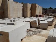 /picture201511/Quarry/20212/176644/crema-giulia-limestone-san-pietro-perlato-limestone-quarry-quarry1-7221B.JPEG