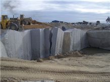 /picture201511/suppliers/201512/125330/gris-quintana-granite-quarry-quarry1-3876B.JPG