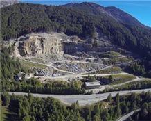 /picture201511/suppliers/201512/125417/dorato-valmalenco-gneiss-quarry-quarry1-3892B.JPG
