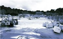 /picture201511/suppliers/20163/127563/peperino-grigio-trachyte-quarry-quarry1-4077B.JPG