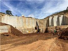 /quarries-4121/azurite-granite-quarry