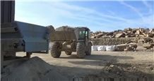 /picture201511/suppliers/20165/129307/white-lias-blue-lias-grey-lias-stone-quarry-quarry1-4222B.JPG