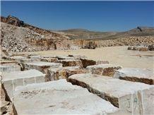 /picture201511/suppliers/20166/78145/roman-beige-limestone-quarry-quarry1-2774B.JPG