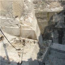 /picture201511/suppliers/20168/130955/fantasy-stone-ash-grey-granite-quarry-quarry1-4475B.JPG